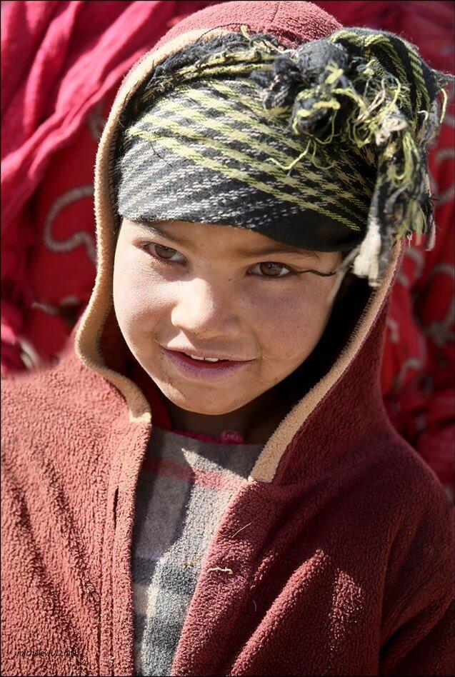 enfant nomade près de entre Saghro et du Haut Atlas