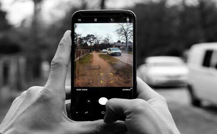 prendre des photos d'une voiture de location