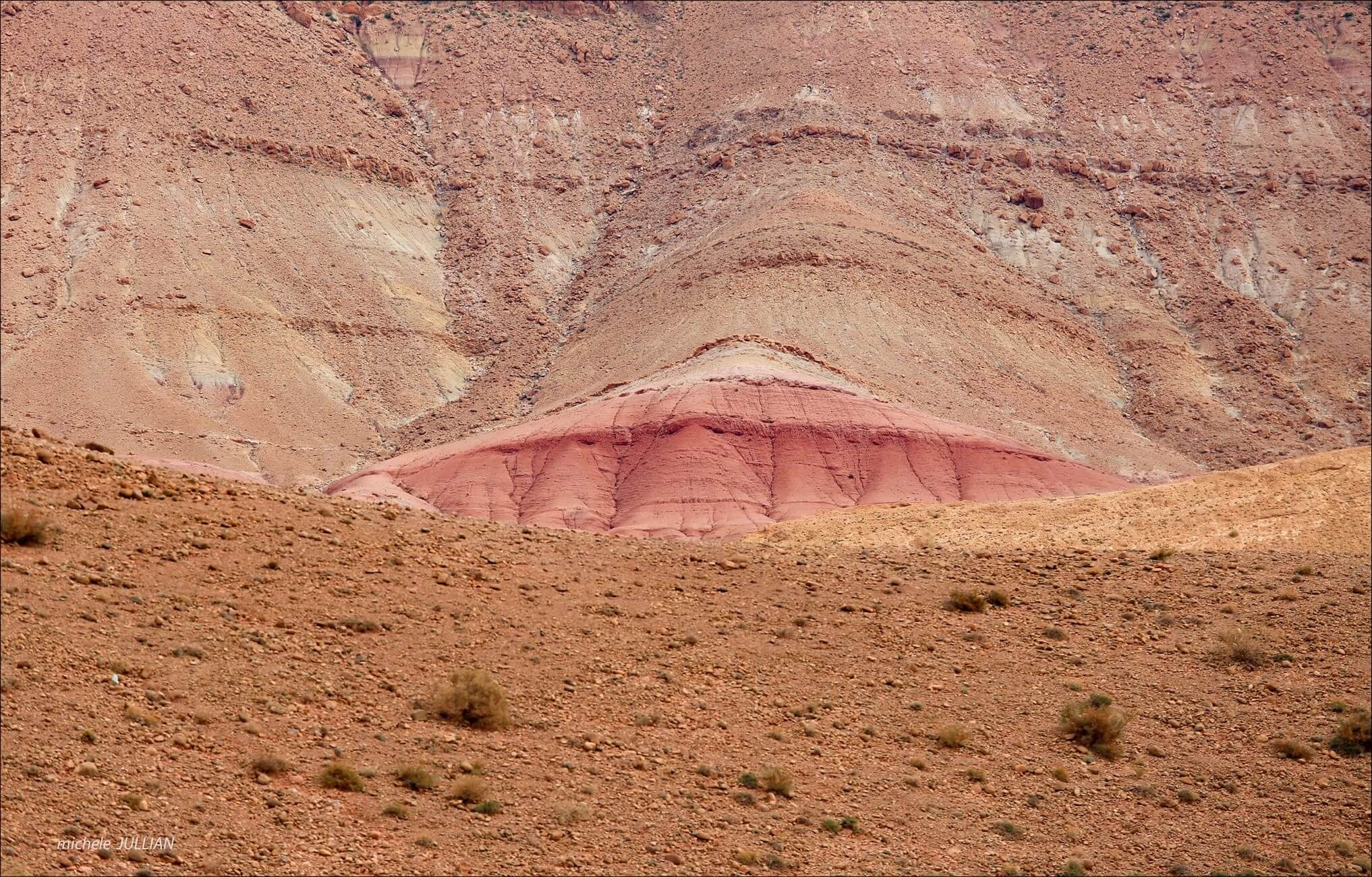 paysage du haut atlas près de M'gounna au maroc
