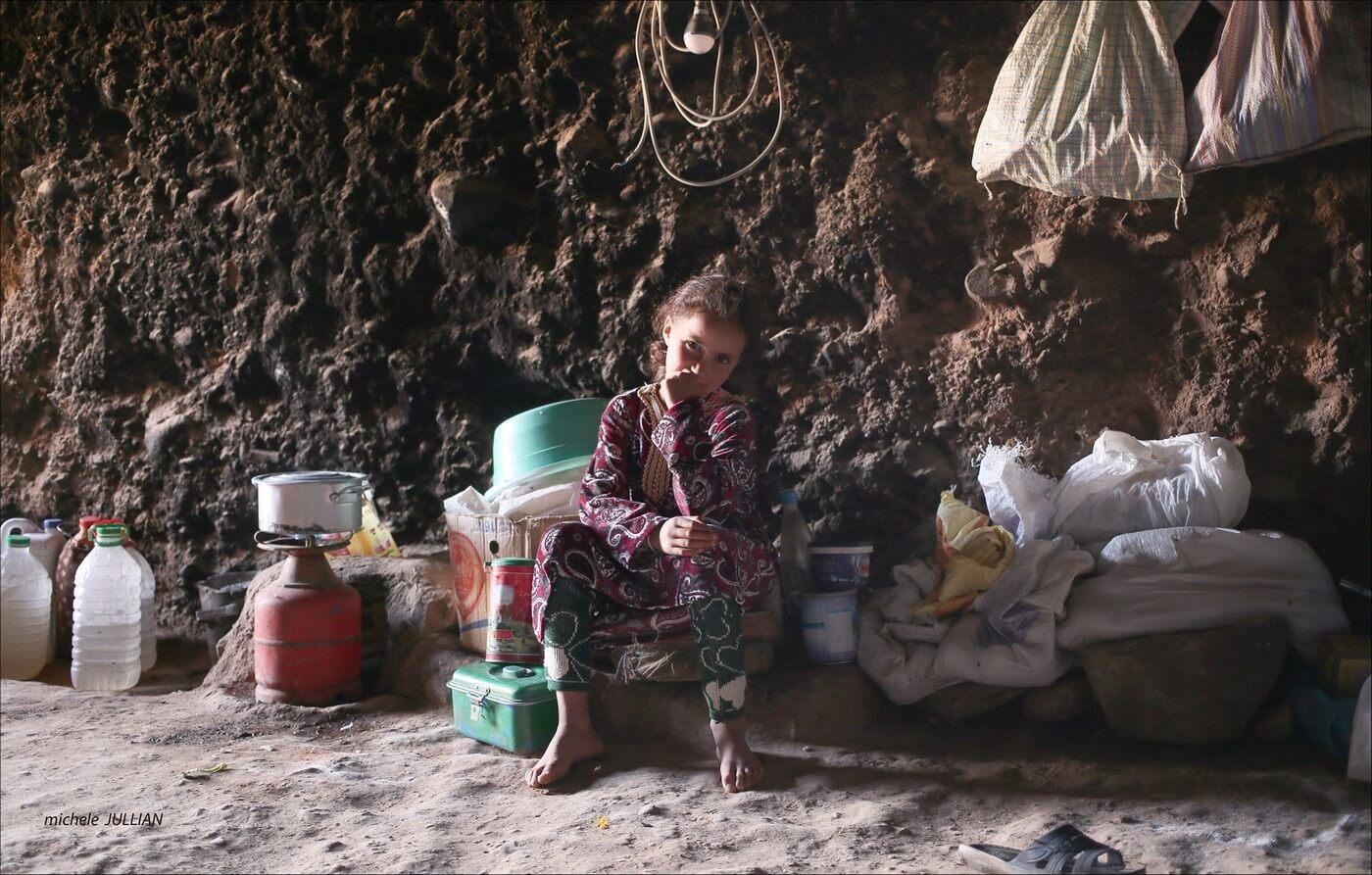 petite gille nomade dans une grotte