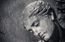 statue d'un cimetière