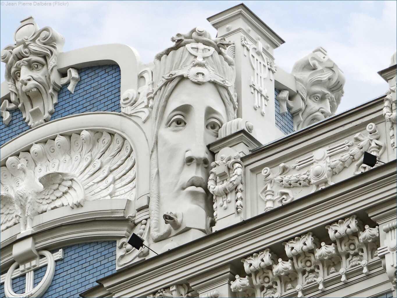 Ornements typiques du jugendstil à Riga, bâtiment réalisé par  Mikhail Eisenstein sur l'avenue Elizabetes Iela