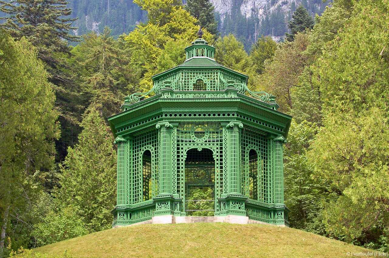 Gartenanlange Linderhof pavillon