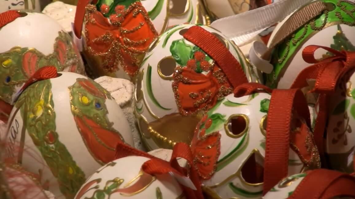 boules de noel artisanales typiques de la région de salzbourg