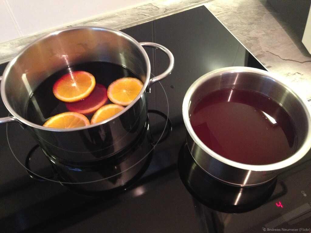 préparation du vin chaud allemand gluhwein