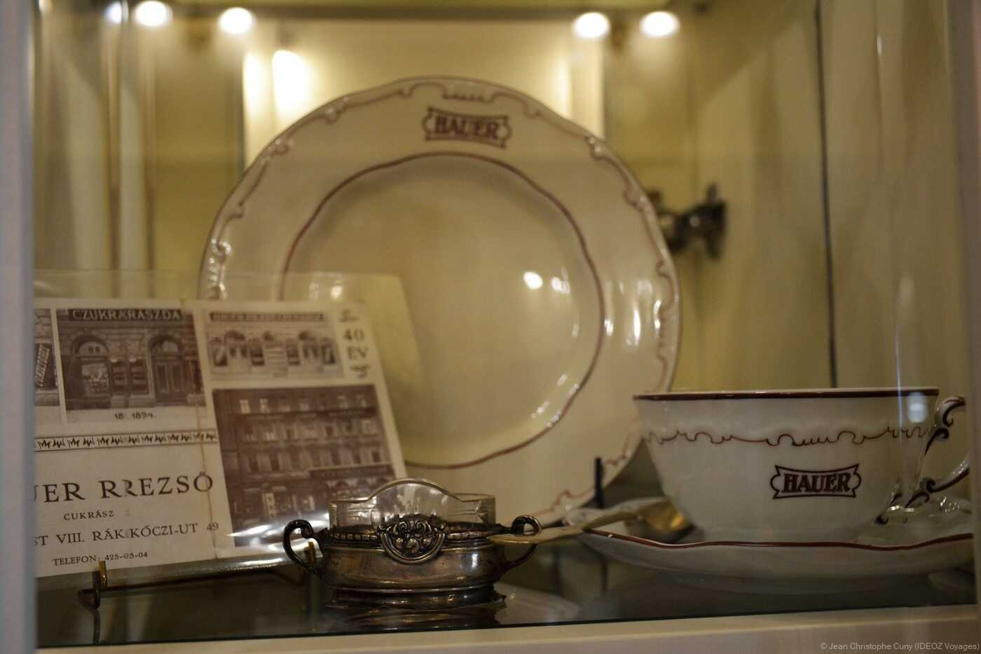 vaisselle et Objets d'époque chez Hauer
