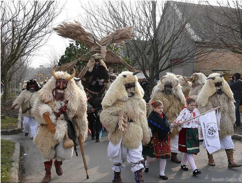 carnaval des buso à mohacs en hongrie