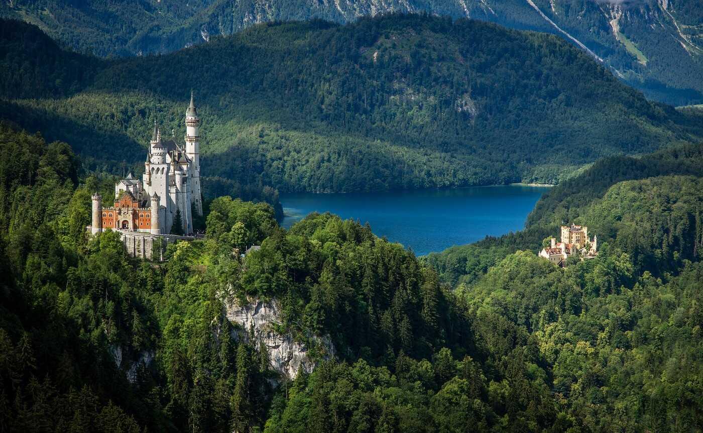 chateaux de Neuschwanstein et Hohenschwangau et Alpsee