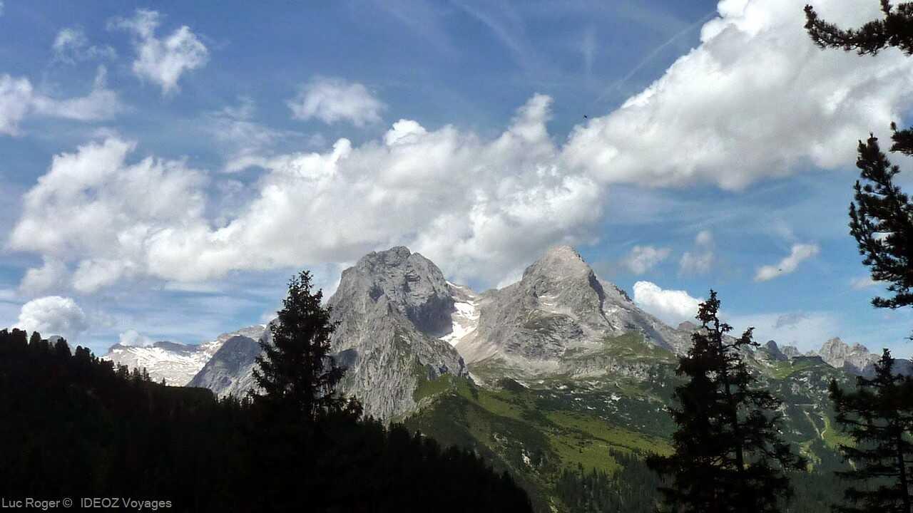 massif des alpes bavaroises dans la région de Garmisch partenkirchen à Schachenhaus