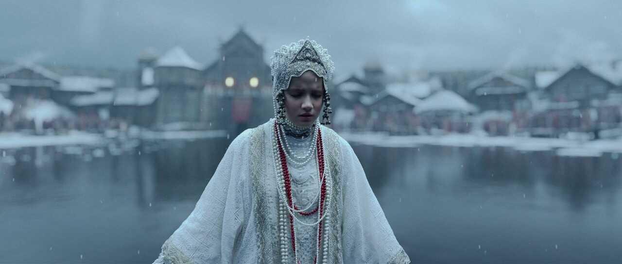 Maria Poezzhaeva incarne Mia dans Dragon inside me en 2015