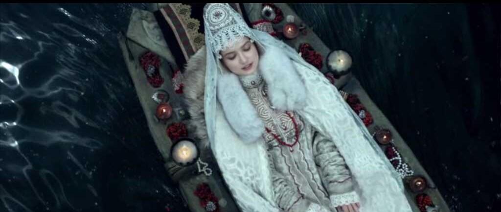 on drakon mia se dirigeant vers son mariage avec igor dans dragon inside me