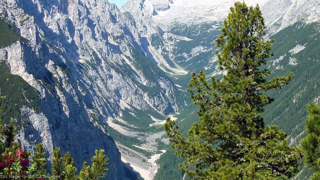 paysage alpin autour du refuge de  Schachenhaus