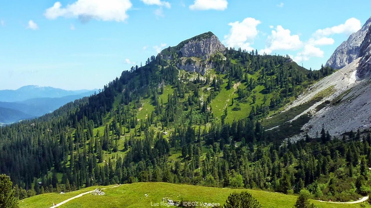 randonnée dans les alpes bavaroises jusqu'au refuge de Schachenhaus de Ludwig ii de bavière
