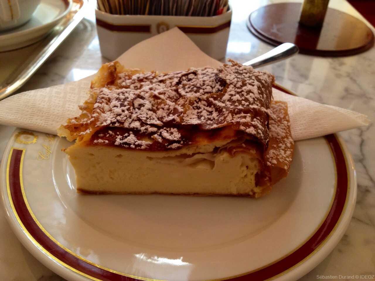Topfen strudel au café Sacher d'Innsbrück