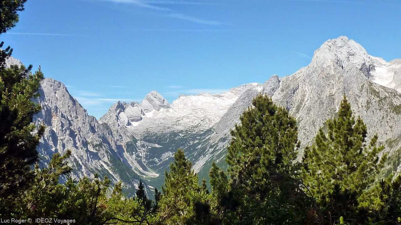 vue des alpes bavaroises depuis le refuge de Schachenhaus de louis 2 de bavière