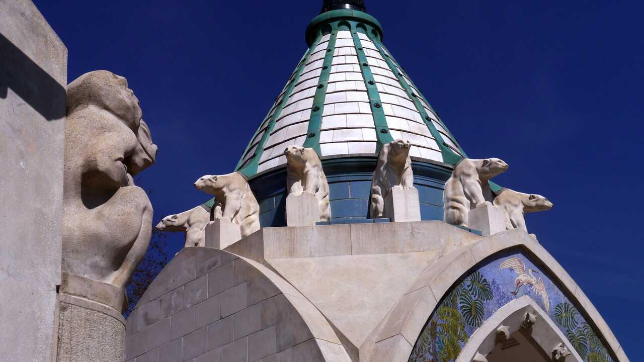 tour de l'entrée du zoo de Budapest