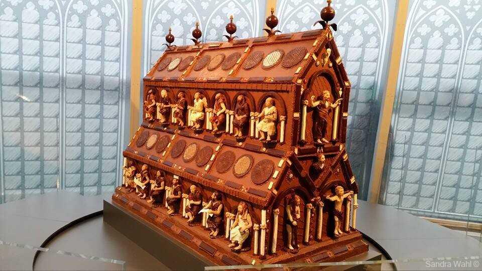 sculpture en chocolat tombeau de la cathédrale de cologne