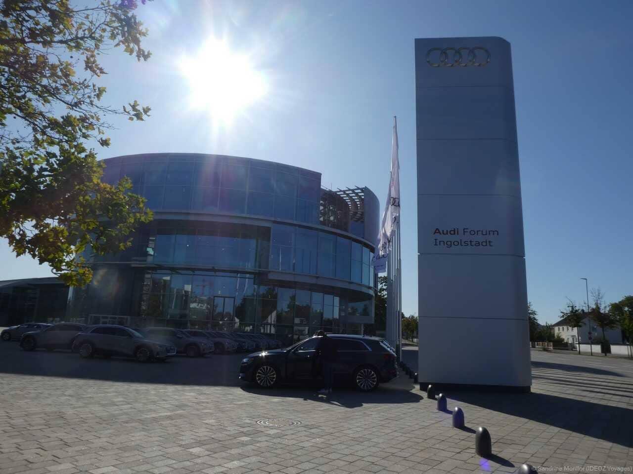 Forum audi Ingolstadt usine et musée automobile sur la route allemande en bavière