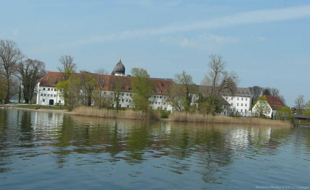 fraueninsel monastère sur l'ile aux femmes sur le lac chiem