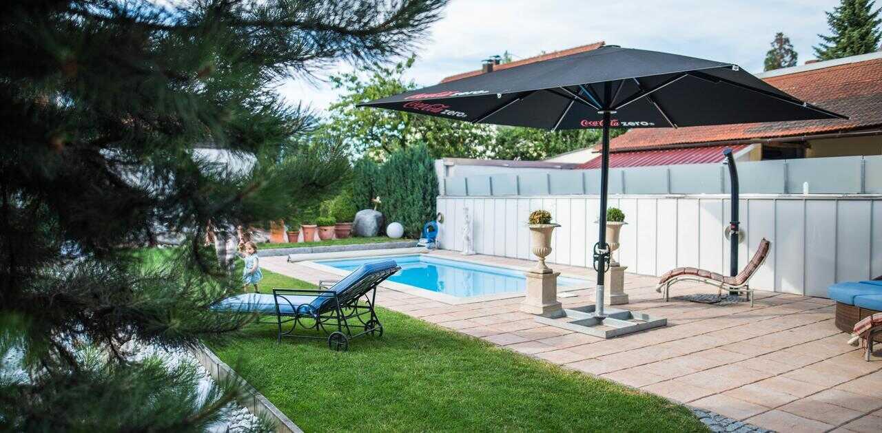 piscine extérieure hotel domizil à ingolstadt