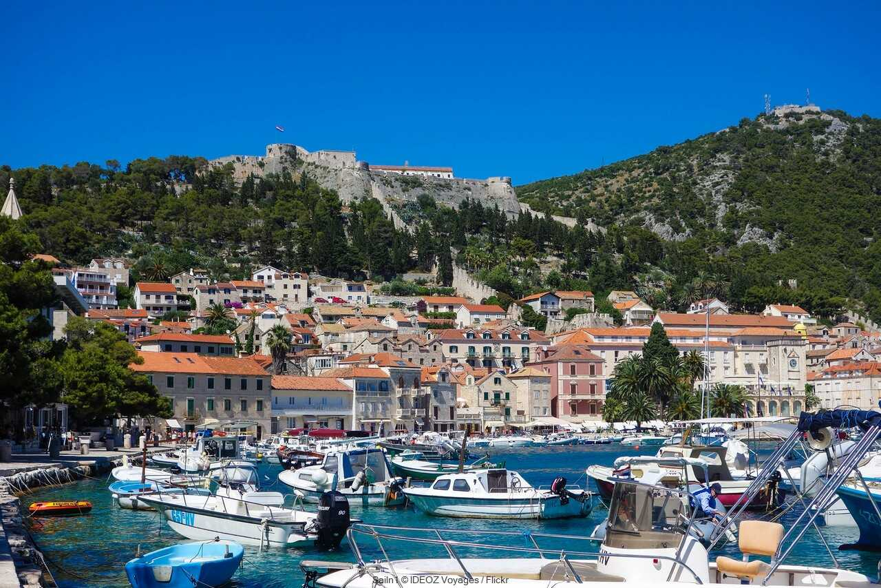 port de hvar et forteresse espagnole