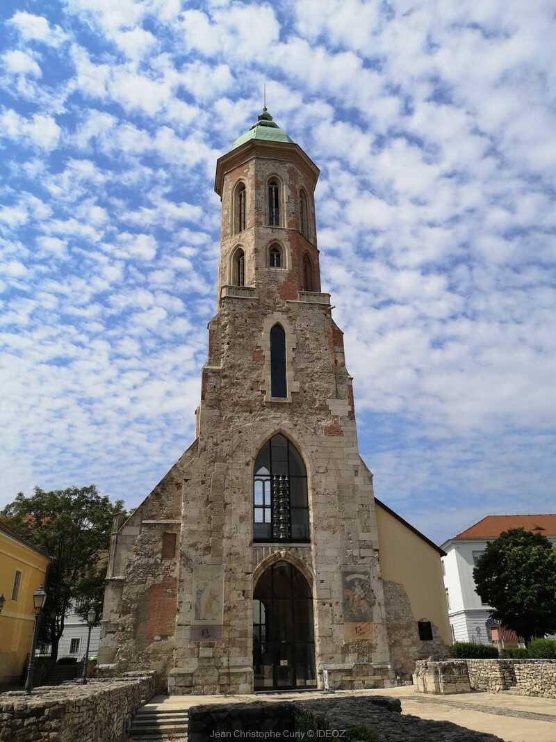 église Marie-Madeleine à Budapest dans le quartier du château