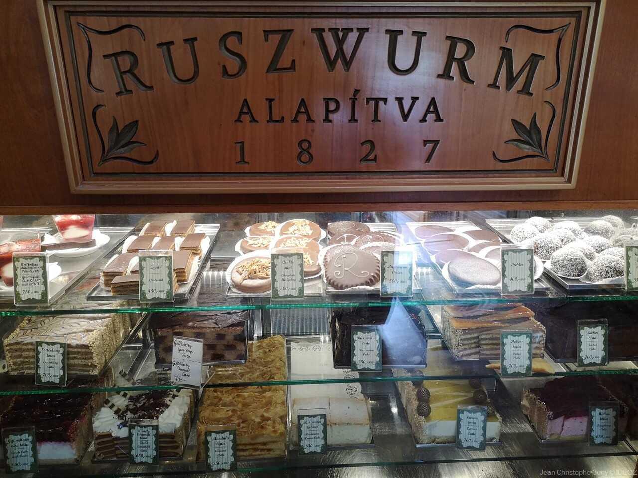patisseries du salon de thé Ruzswurm alapitva budapest