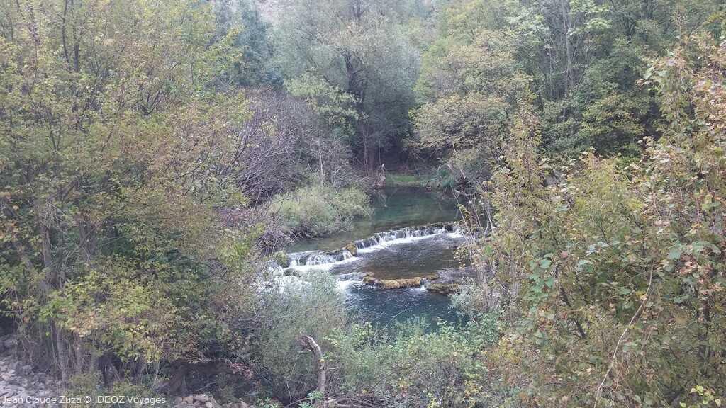 petites chutes sur la rivière Krupa