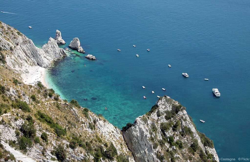 plage des deux soeurs depuis le passage du loup la spiaggia delle due sorelle sur la côte adriatique