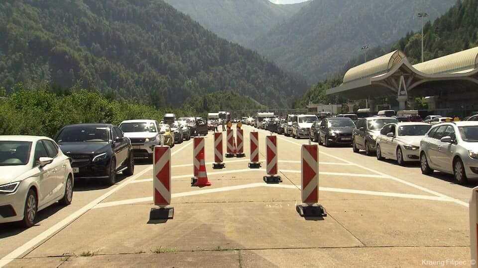embouteillage au tunnel karavanken entre autriche et slovenie