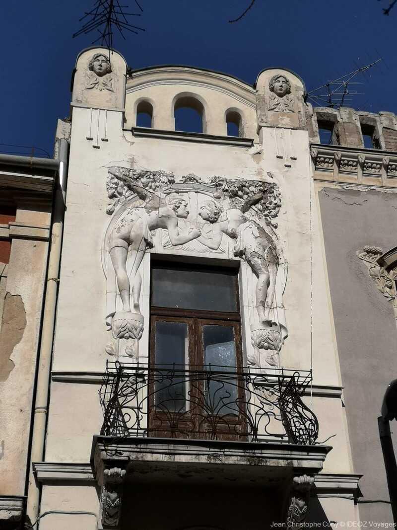 kaposvar façade art nouveau et balcon