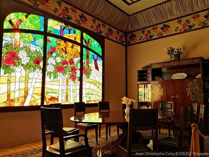 vitraux art nouveau dans la villa rippl ronai à kopasvar