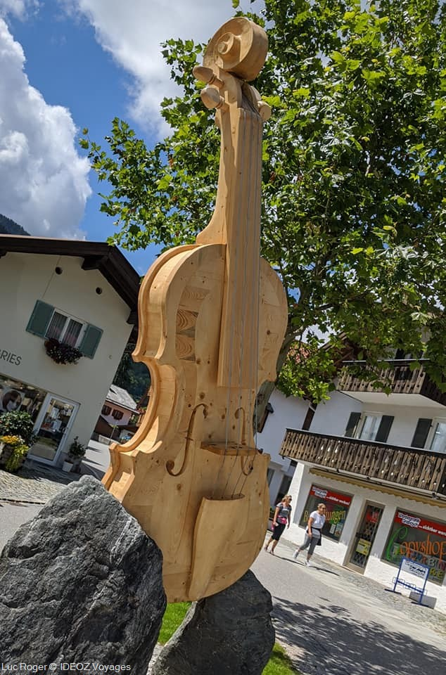 Mittenwald statue de violon en bois