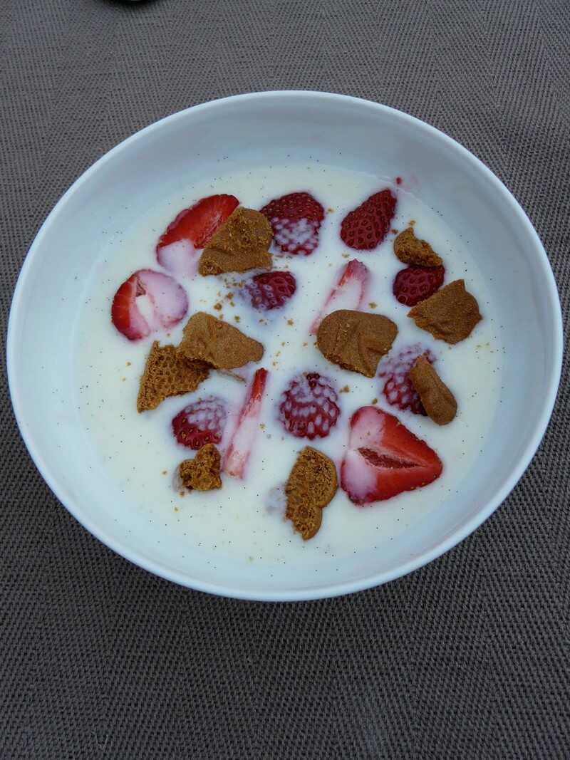 Soupe de fraises au yaourt danois koldskål