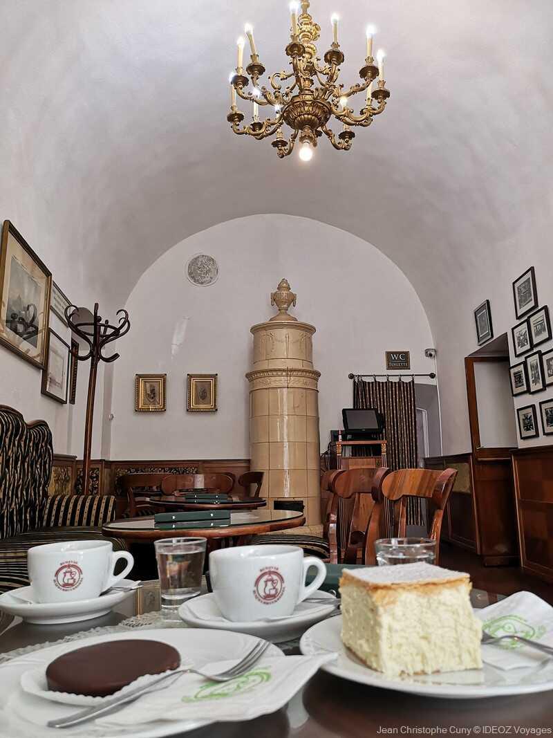 café gourmand dans le quartier du château de Budapest