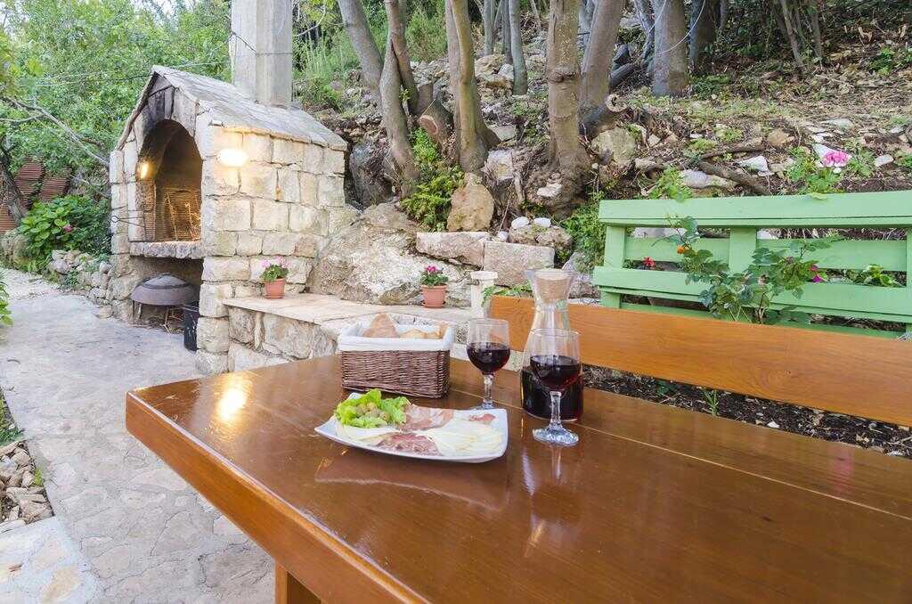 prsut et fromage à la table d'hôtes cumbelic à Kozarica