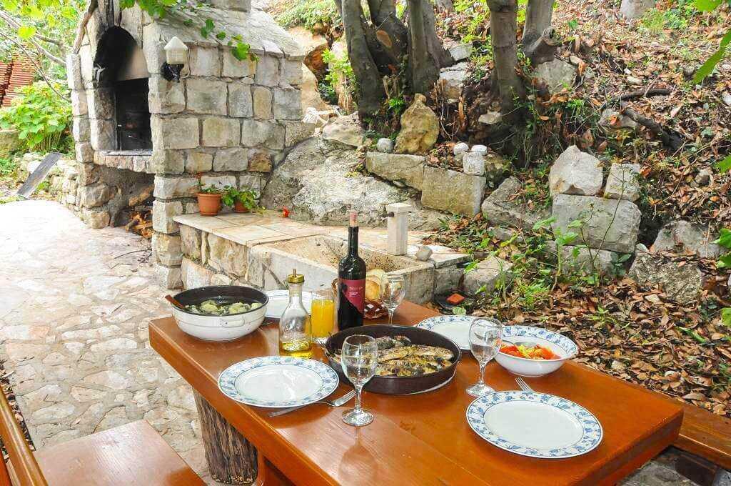 repas à la table d'hotes chez Blazenka Cumbelic Kozarica