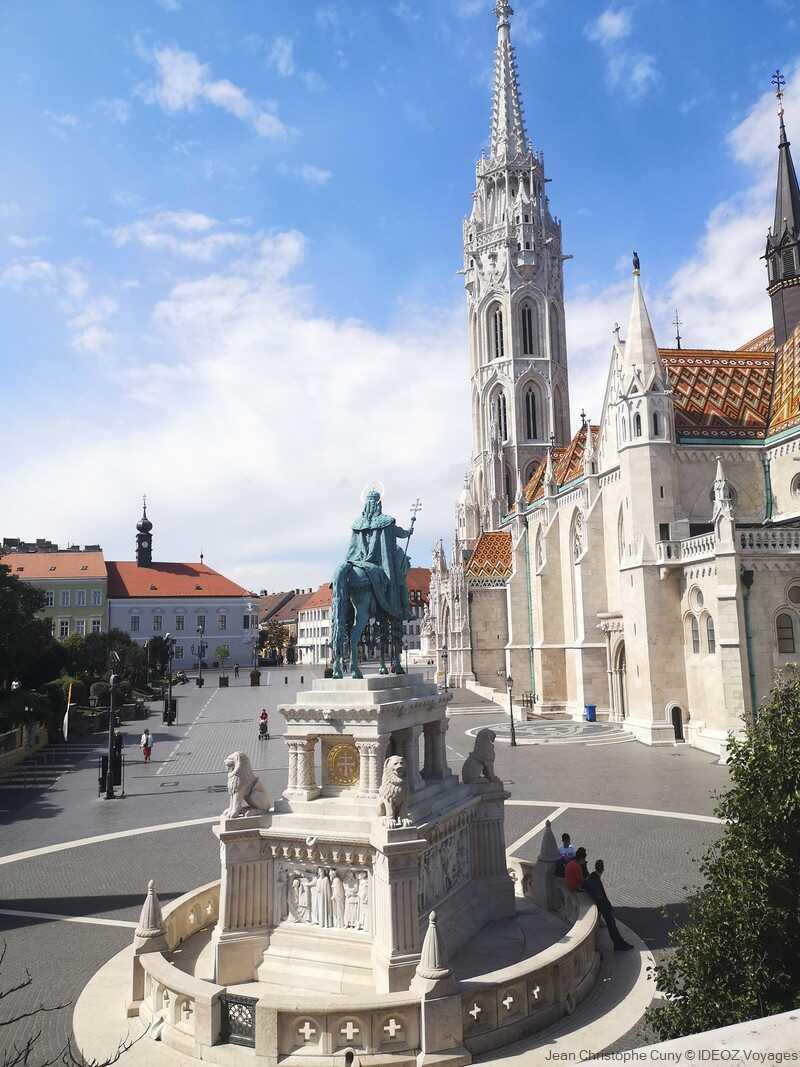 statue et église saint Mathias à Buda