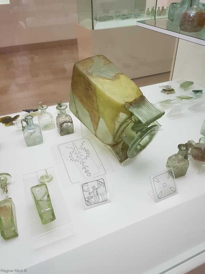 pièces de verre au musée du verre à zadar
