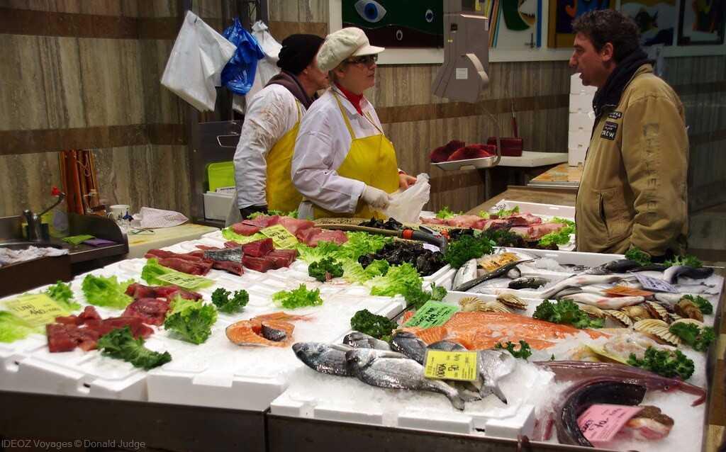 marché aux poissons de zagreb dolac