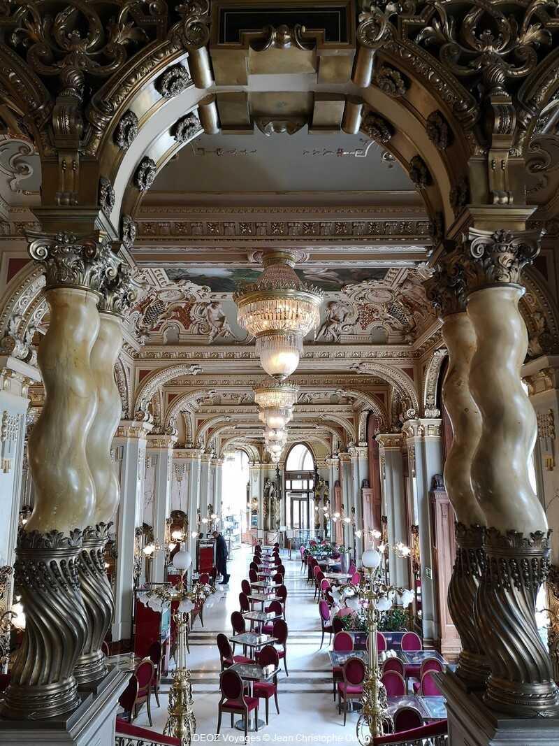 Café New York un des cafés mythiques de Budapest