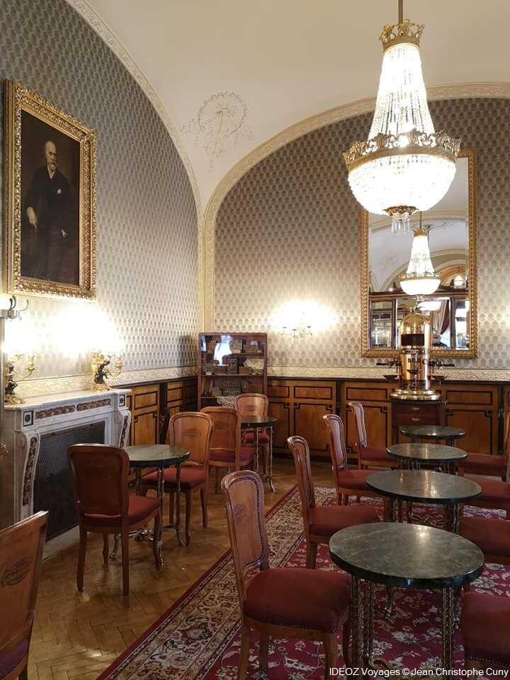 Café gerbeaud à budapest intérieur du salon de thé