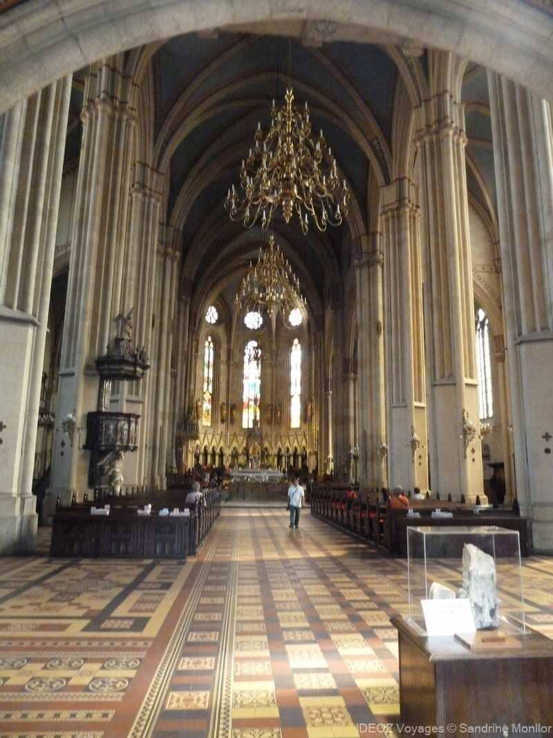 nef de la cathédrale de zagreb