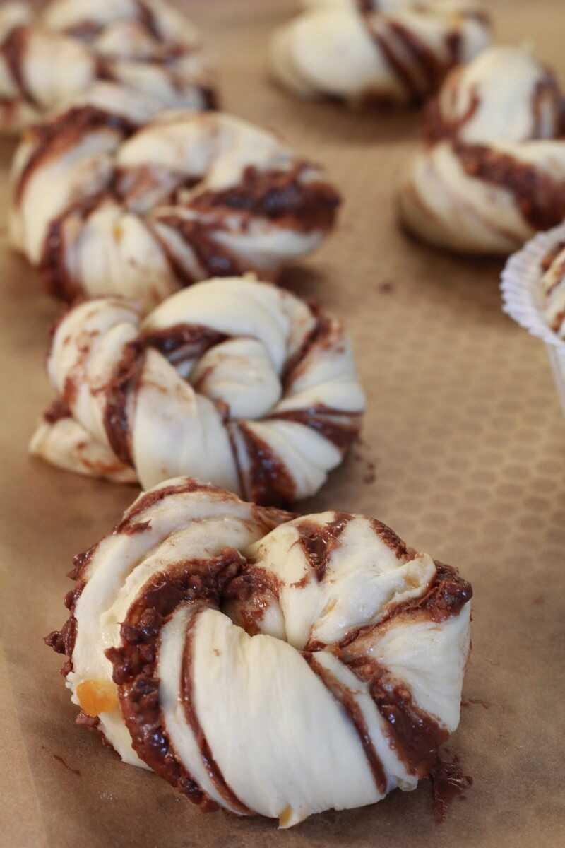 préparation des kanelsnurrer danois avec du nutella