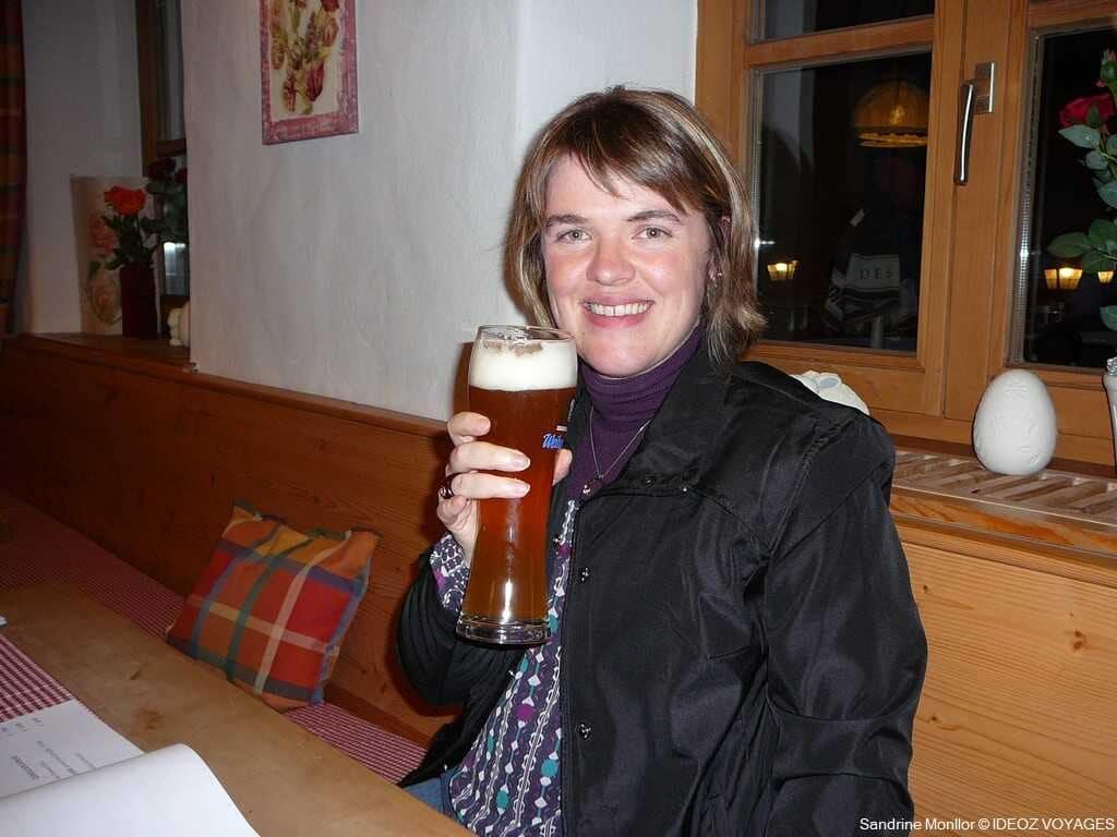boire une biere bavaroise au Landgasthof Bauerngirgl de Bayerisch Gmain