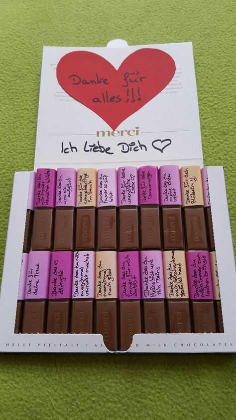 boîte de chocolats Merci avec des petits messages de remerciement personnalisés