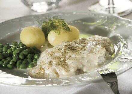 lipeäkala plat de merluche servi à noel en finlande