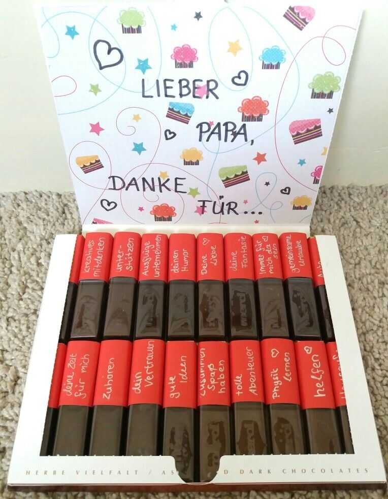 personnalisation d'une boîte de chocolats merci avec petits messages de remerciements