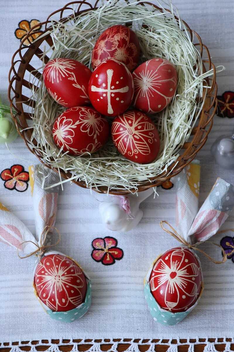 Velikonoční vajíčka oeufs de paques décorés en république tchèque