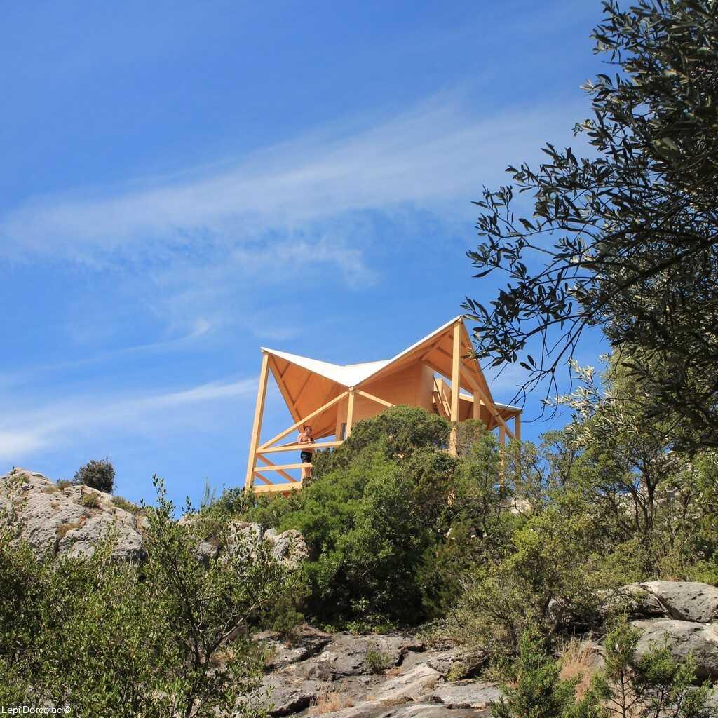 Vidikovac Montokuc ancienne cabane de guet des pompiers transformée en point de vue panoramique à Mljet